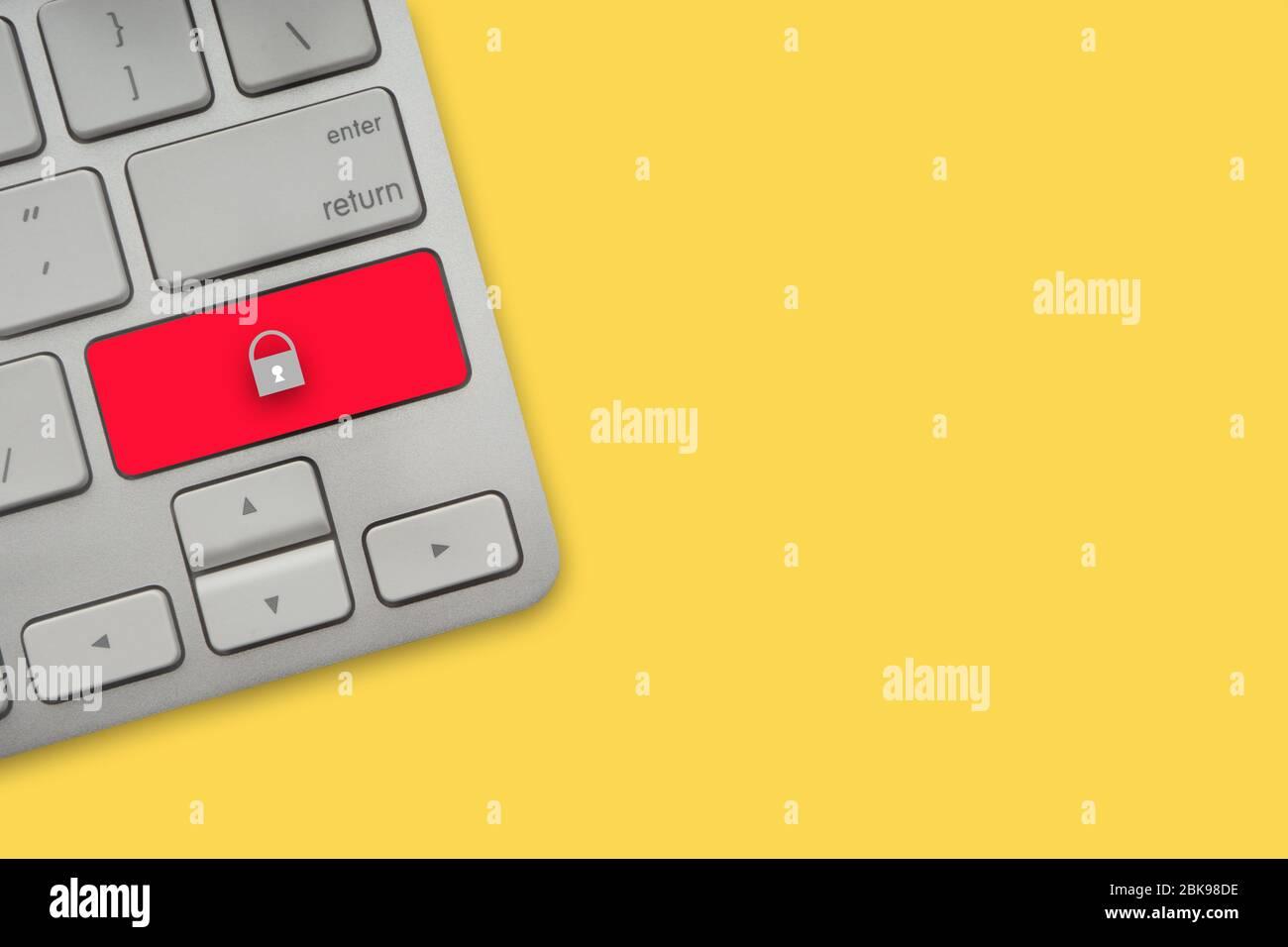 Tastatur auf gelbem Hintergrund. Business, Copy Space und Technologiekonzept Stockfoto