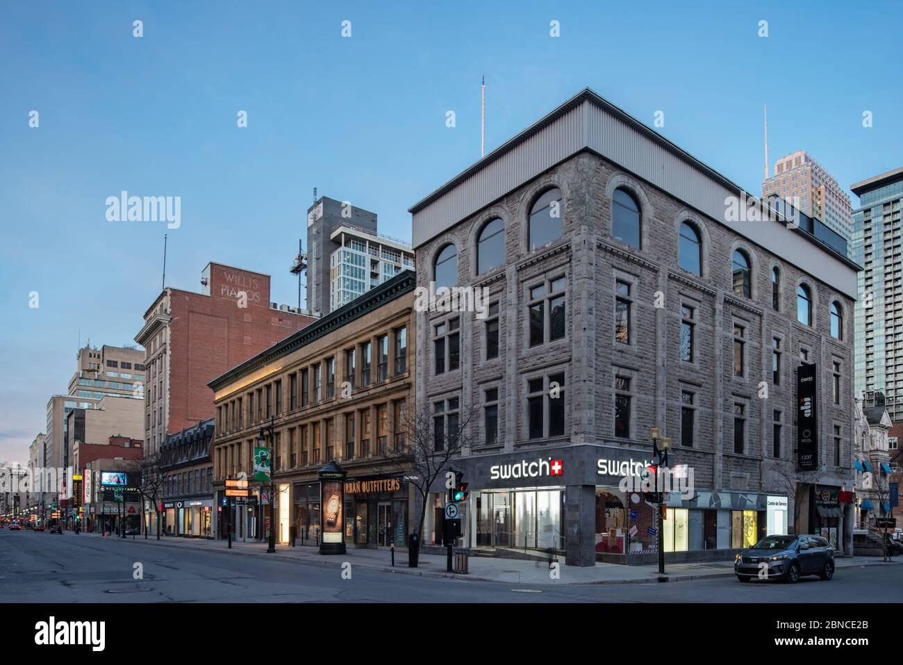 Sainte Catherine Street Downtown Montreal Stockfotos und  bilder ...