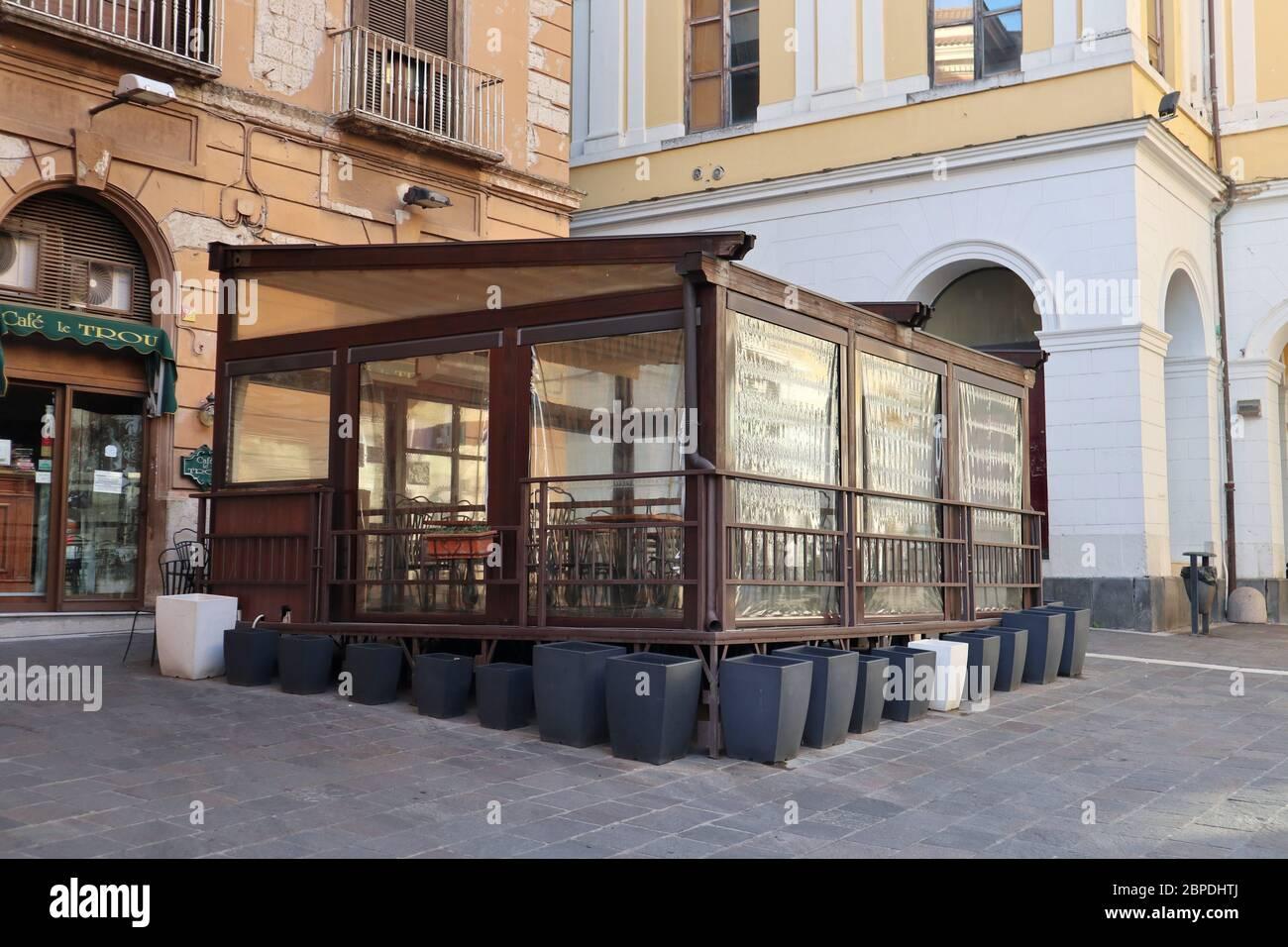 Benevento: Bar del Corso Garibaldi la mattina presto Stockfoto