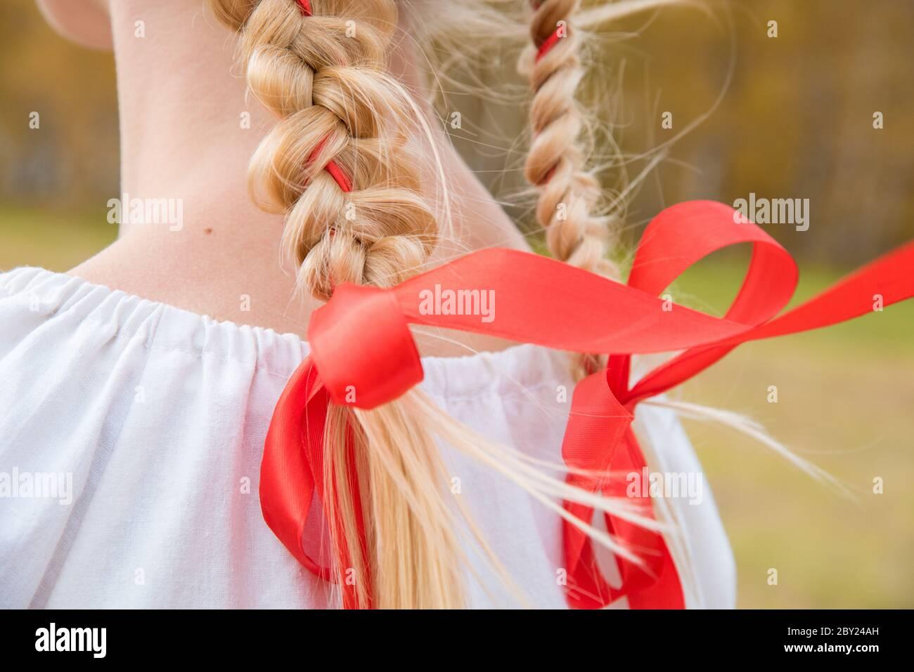 blonde russische schonheiten
