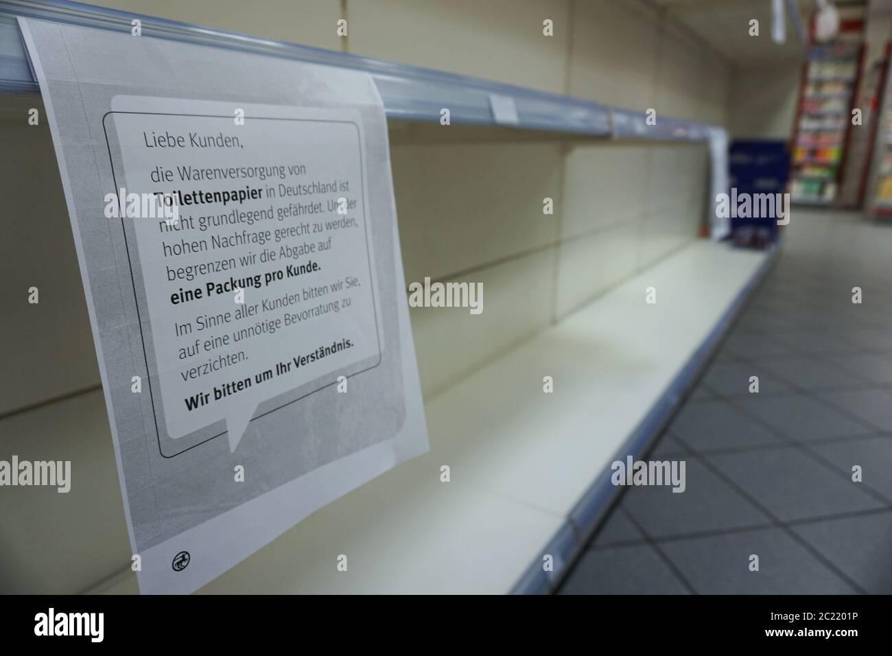 Hamster Kaufen Stockfotos Und Bilder Kaufen Alamy