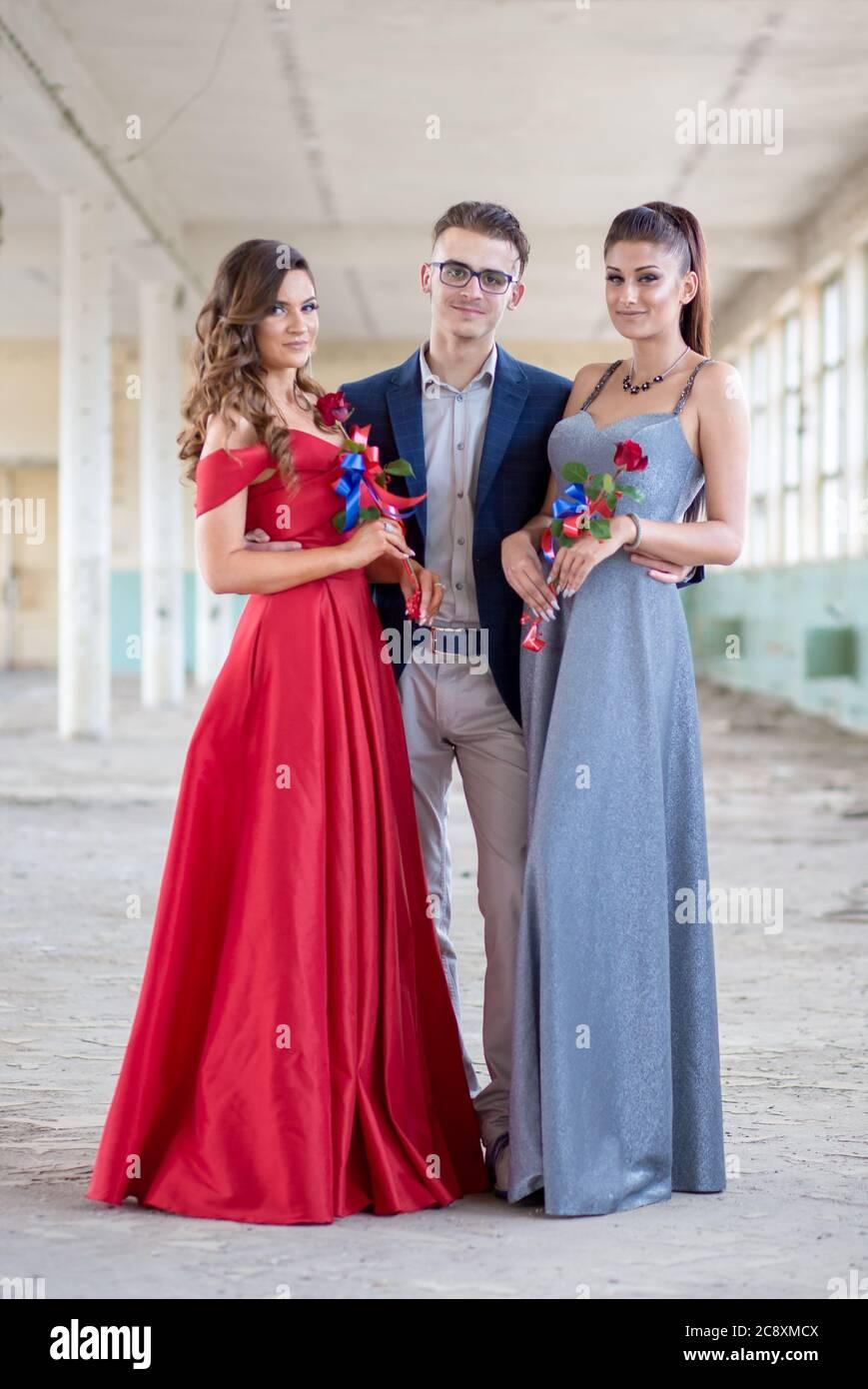 kleid blau silber anzug stockfotos und -bilder kaufen - alamy
