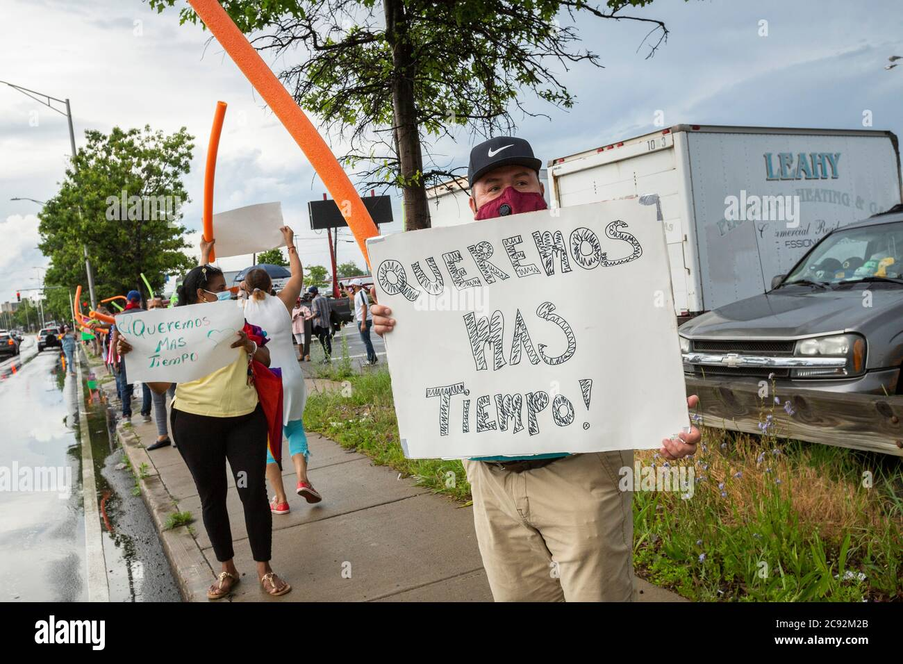 Juni 28, 2020. Lynn, MA. Die Lynn Way Merchants Association protestiert vor dem LynnMart. Eine Autokolonne namens Cancel Räumungen Caravan fuhr um 24 Uhr Stockfoto