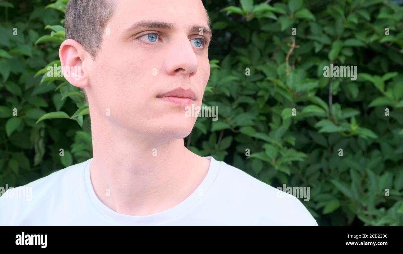 Augen grüne männlich blond Haar