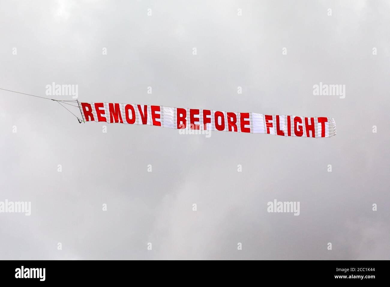 Etikett U-2 Drache Lady beseitige vor Flight bestickt Schlüsselanhänger NEU
