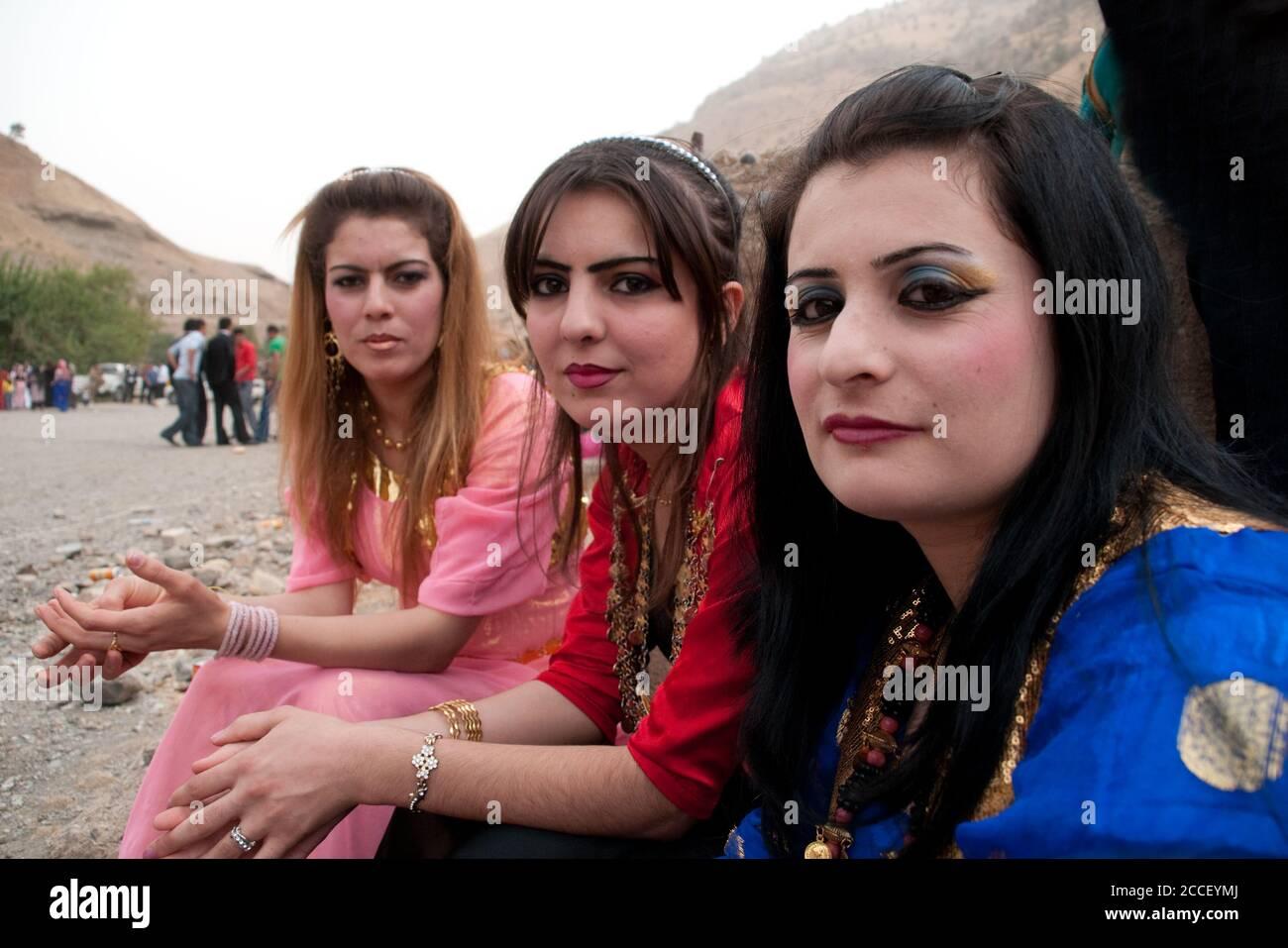 traditionelle kurdische kleider stockfotos und bilder