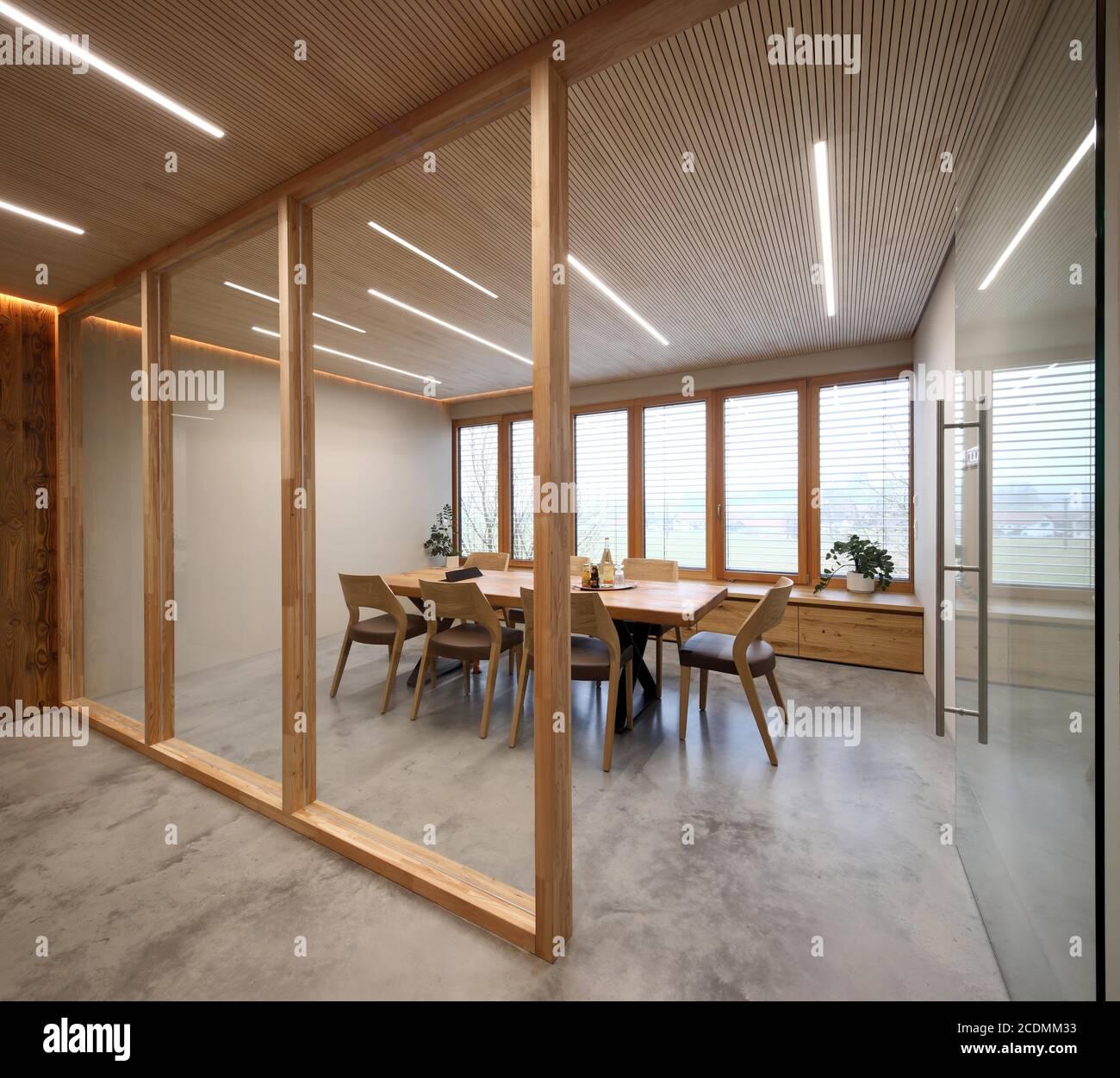 Moderne Innenarchitektur mit Holz, Meetingräume, Design und ...