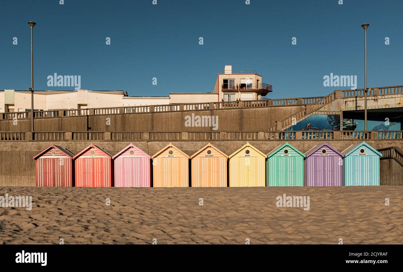 Vintage Strandhütten entlang des Ärmelkanals in Frankreich Stockfoto