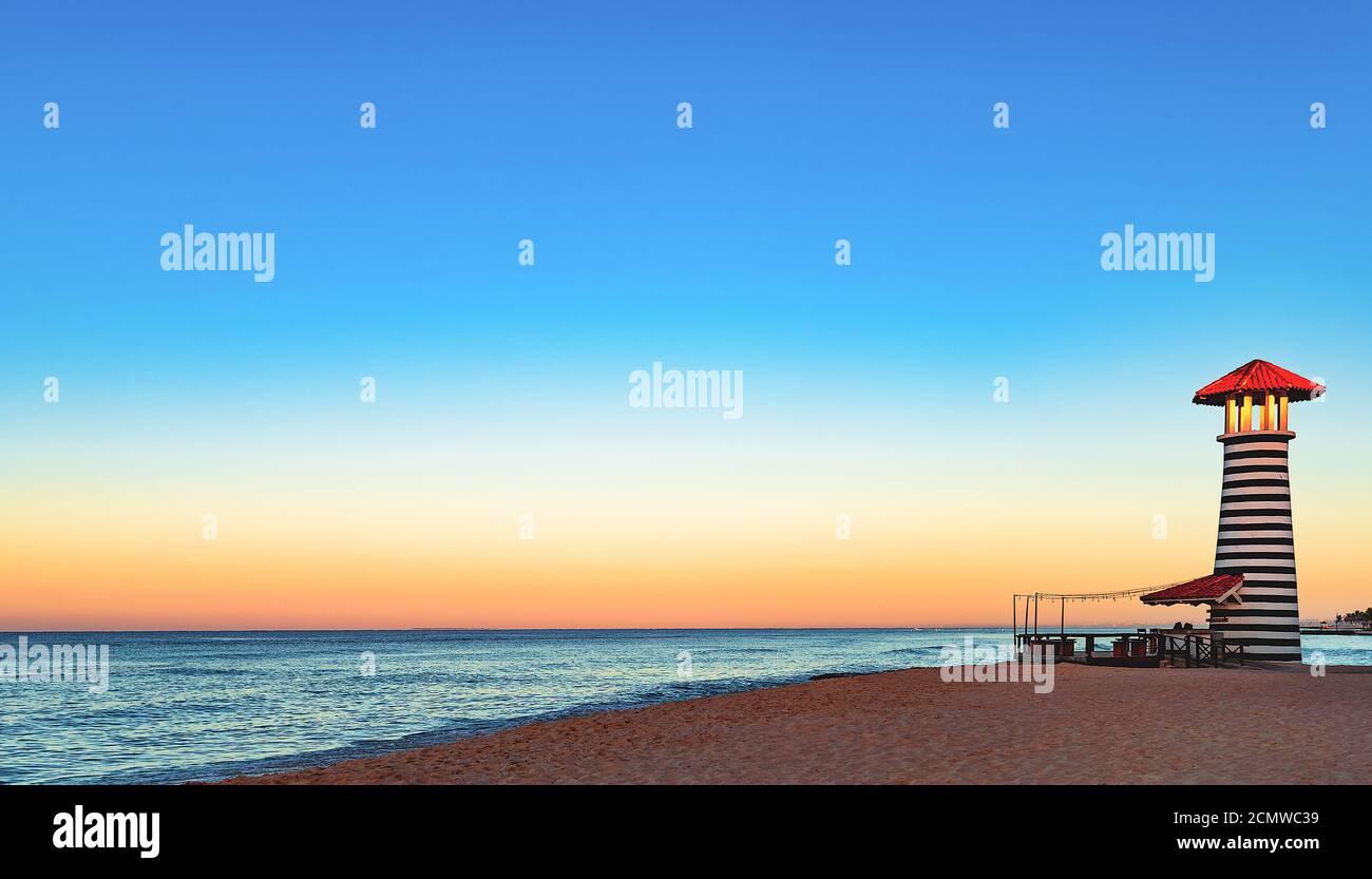karibisches Meer Sonnenaufgang Leuchtturm Stockfoto