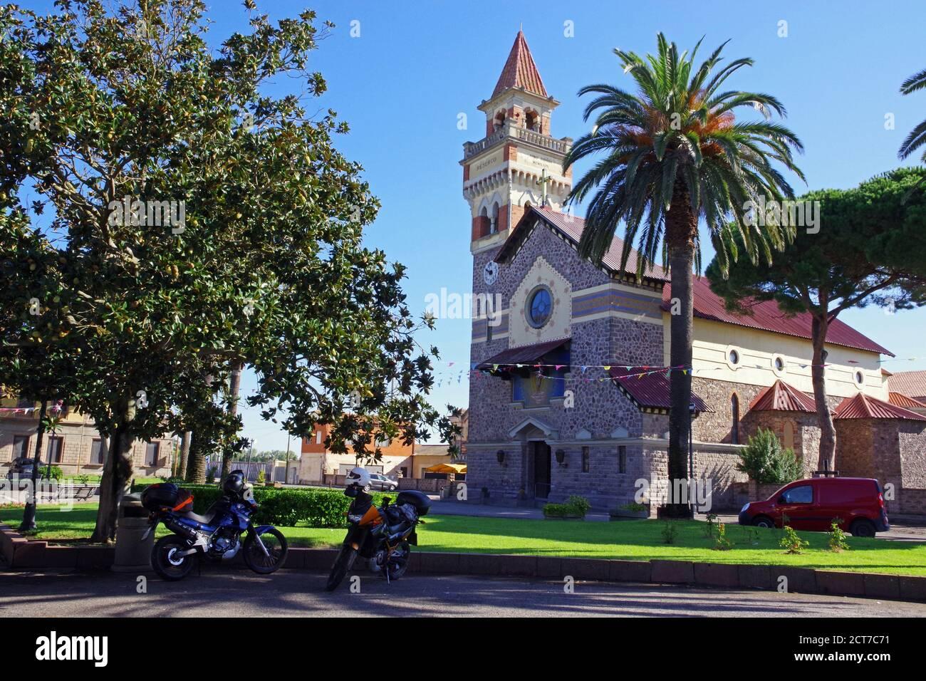 Arborea, Sardinien, Italien. Die Kirche des Heiligen Erlöserers Stockfoto