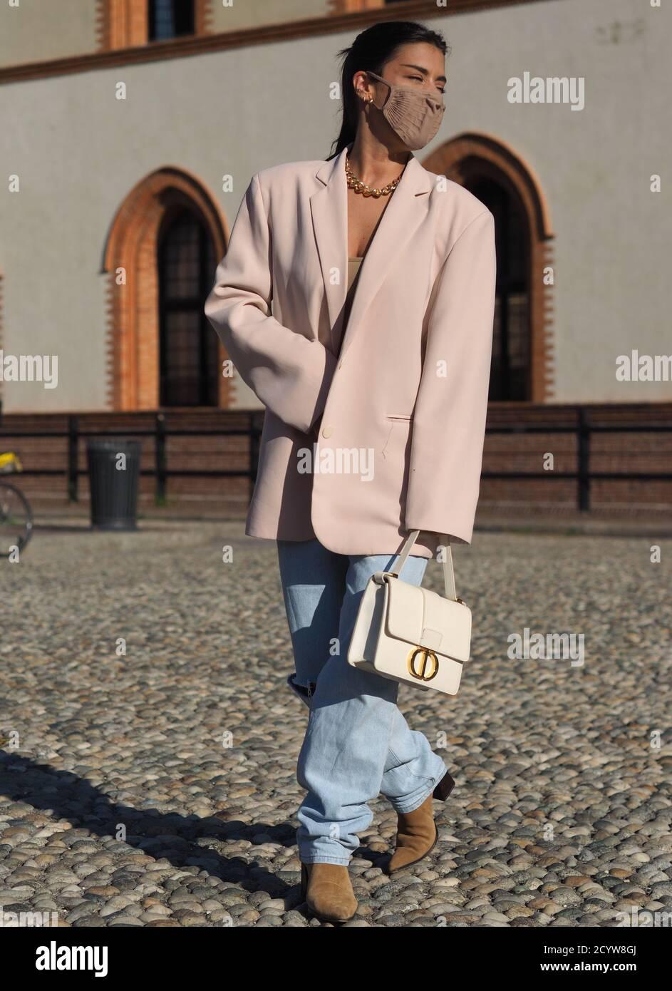 Dulceida Streetstyle Outfit während der Alberta Ferretti Fashion ...