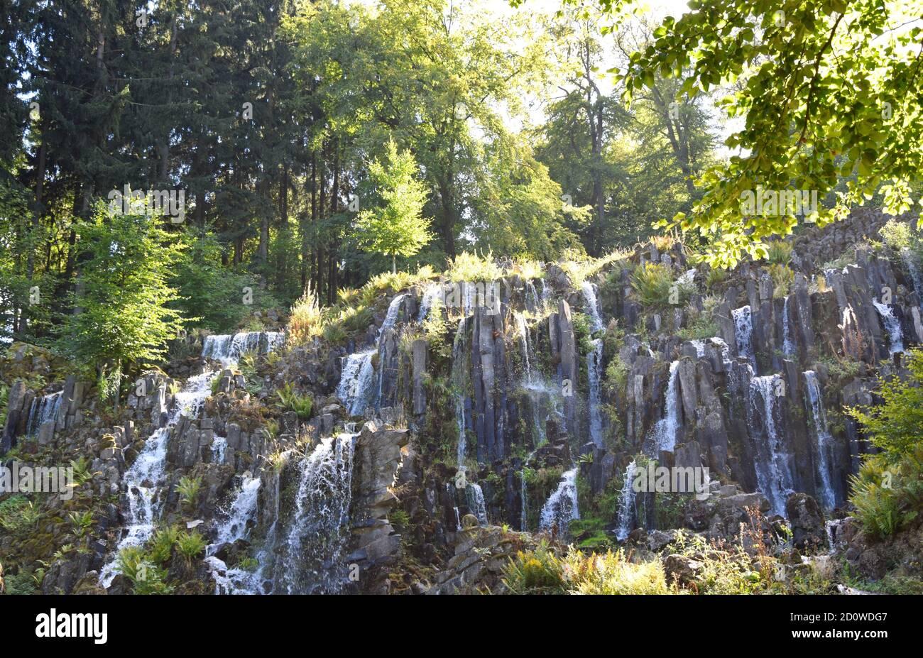 Wasserspiele - Plutogrotte, Teufelsbrücke und Jussow Tempel Stockfoto