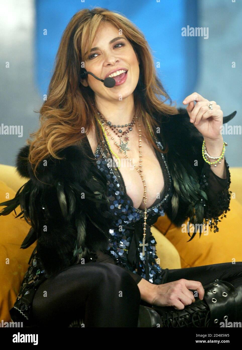 Die mexikanische Popsängerin Gloria Trevi tritt während einer ...