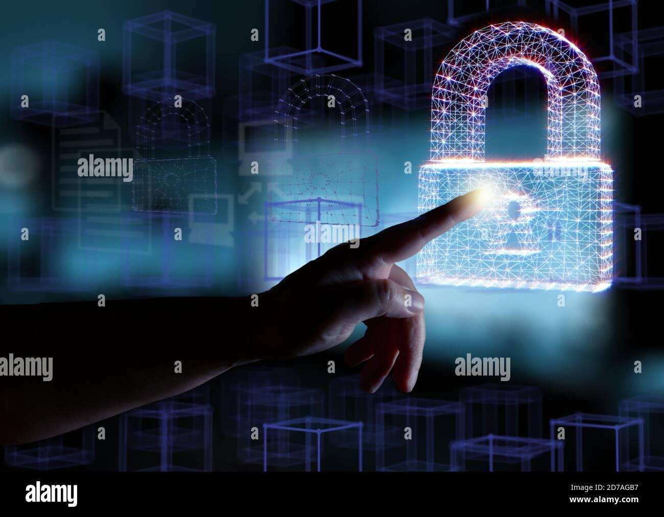 Computersicherheitskonzept. Hand- und Vorhängeschlösser symbolisieren den Datenschutz im Netzwerk und auf PCs. Gemischte Medien. Stockfoto
