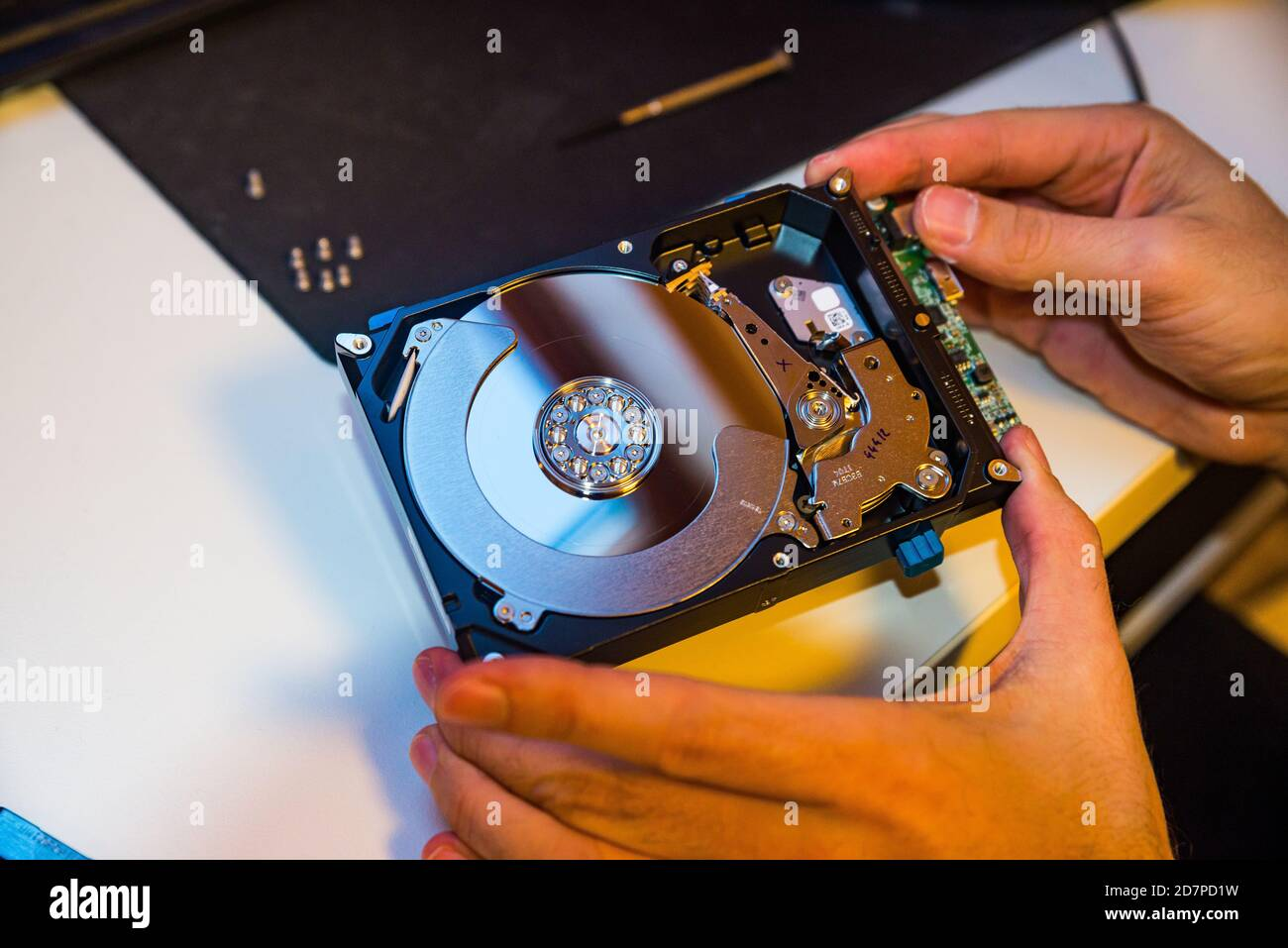 Gebrochener Pc Stockfotos Und Bilder Kaufen Alamy