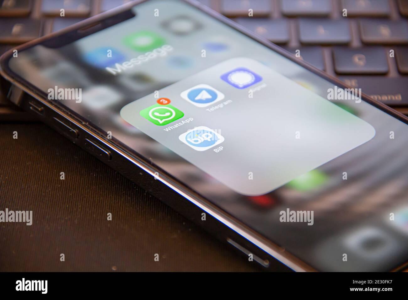 Message Apps   Chat Anwendung für soziale Netzwerke Whatsapp ...