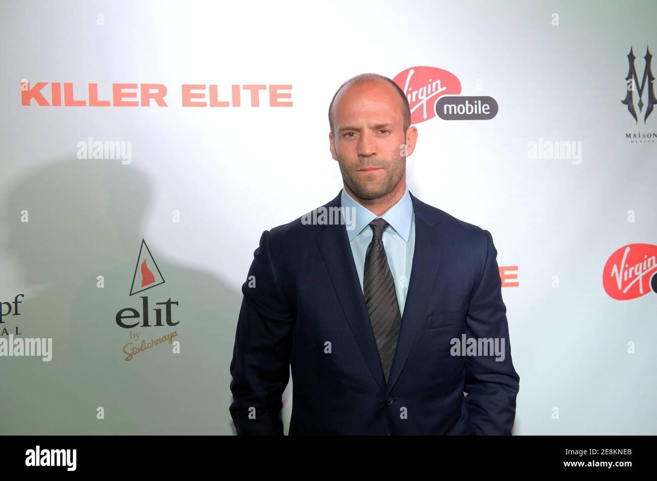 "Toronto, Kanada - 10. September 2011: Jason Statham kommt nach der Filmpremiere beim Toronto International Film Festival am 2011. September in Toronto, Ontario, zum ""Killer Elite""-Empfang. Stockfoto"