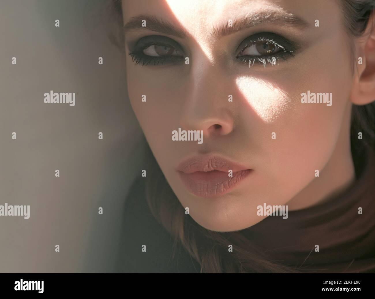Teenie Schöne Gesichtsbehandlung Brünette Pin von