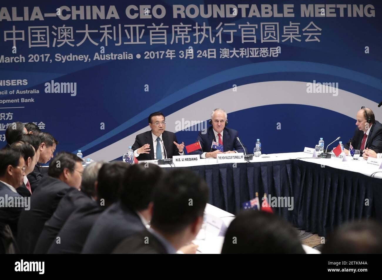 (170324) -- SYDNEY, 24. März 2017 (Xinhua) -- der chinesische Premierminister Li Keqiang (3rd R) und der australische Premierminister Malcolm Turnbull (2nd R) nehmen am sechsten Australien-China CEO Roundtable in Sydney, Australien, am 24. März 2017 Teil. (Xinhua/Pang Xinglei) (lb) (Foto: Xinhua/Sipa USA) Stockfoto