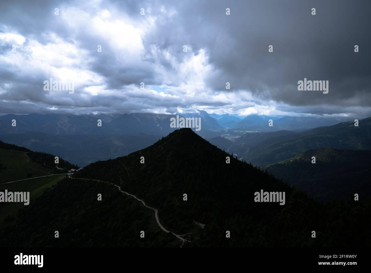 Blick auf den herzogstand in bayern Stockfoto