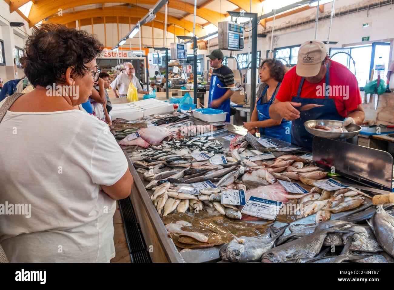 Frischer Fisch auf dem Markt in Fuseta, Algarve, Portugal Stockfoto