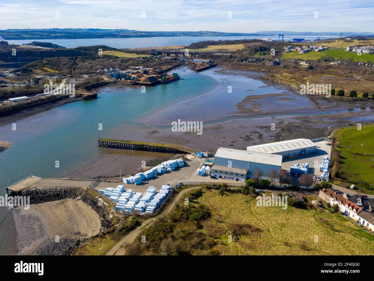 Luftaufnahme der Robertson Metals Recycling Werft, Inverkeithing Docks, Inverkeithing Fife, Schottland. Stockfoto
