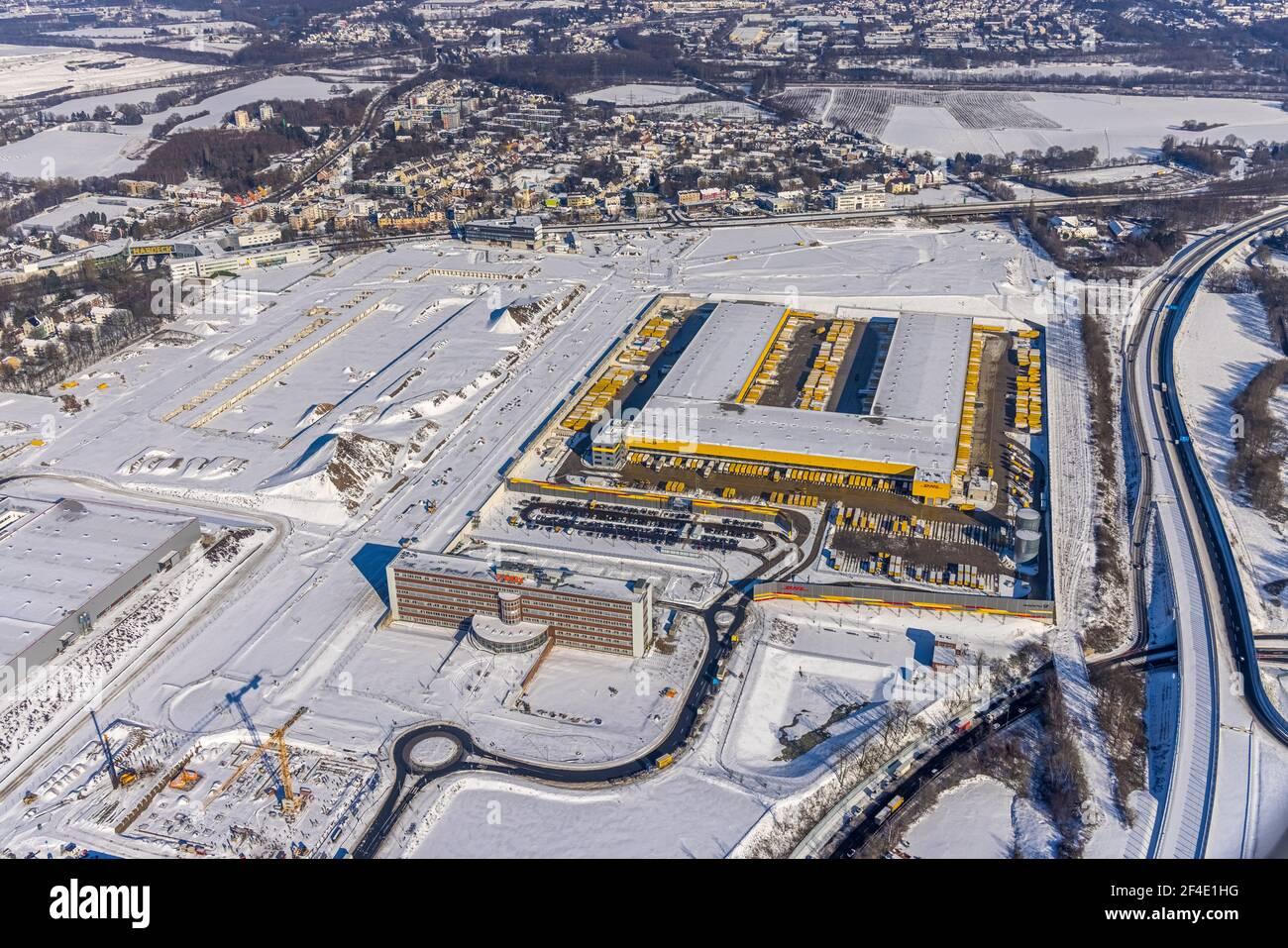 Luftaufnahme, DHL Logistik Paketcenter, ehemaliges Opel-Areal mit altem Verwaltungsgebäude, Industriegebiet Mark 51/7, Laer, Bochum, Ruhrgebiet, Nord Stockfoto