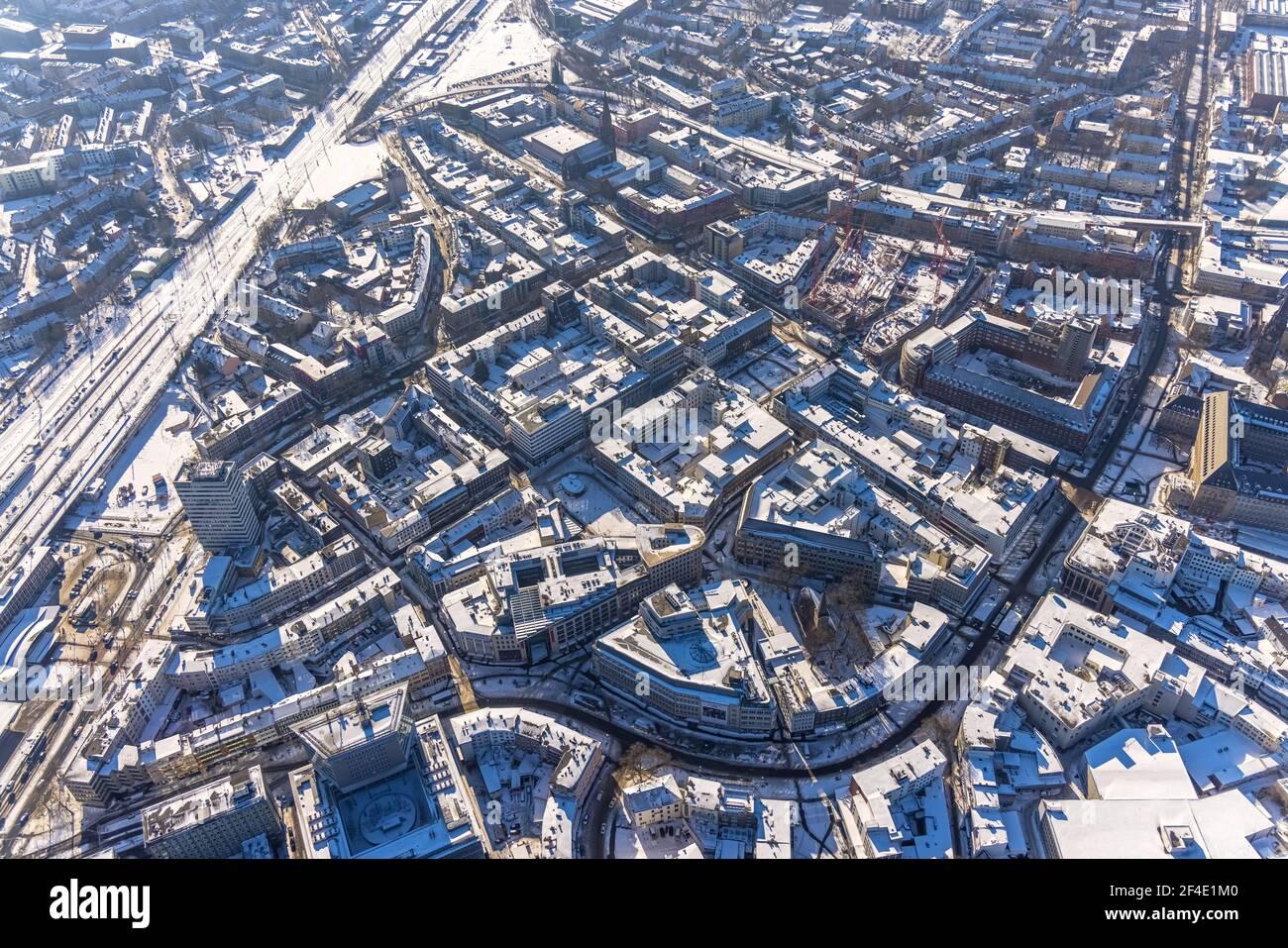 Luftaufnahme, Innenstadtansicht, Eisenbahndreieck, Bochum, Ruhrgebiet, Nordrhein-Westfalen, Deutschland, Stadt, DE, Dr.-Ruer-Platz, Europa, Lueg Hochhaus, ae Stockfoto