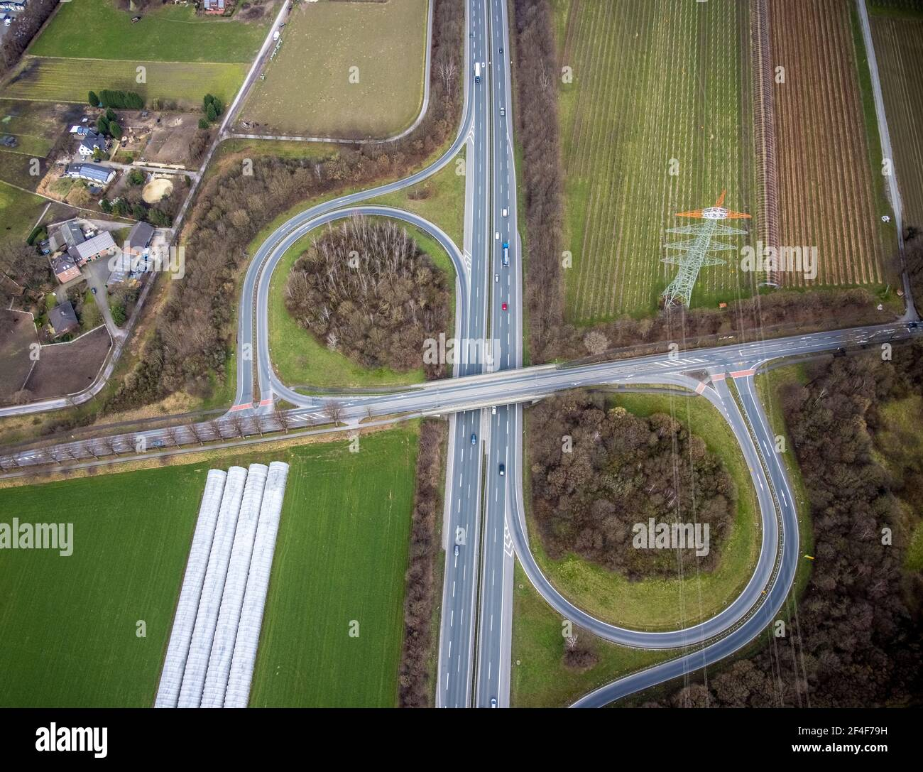 Luftaufnahme, Autobahnkreuz Kirchhellen, A31, Bottrop-Kirchhellen, Ruhrgebiet, Nordrhein-Westfalen, Deutschland, A31 Autobahn, Autobahnkreuz Stockfoto