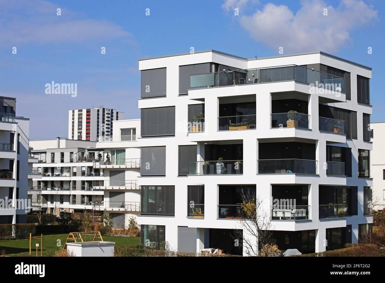 Moderner Wohnkomplex im urbanen Stil. Stockfoto