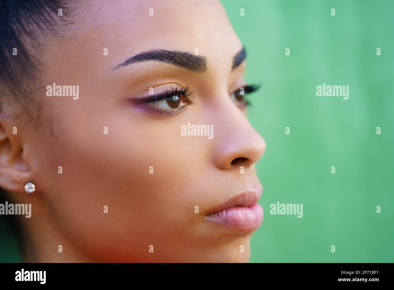 Nahaufnahme Porträt von schönen jungen schwarzen Mädchen Stockfoto