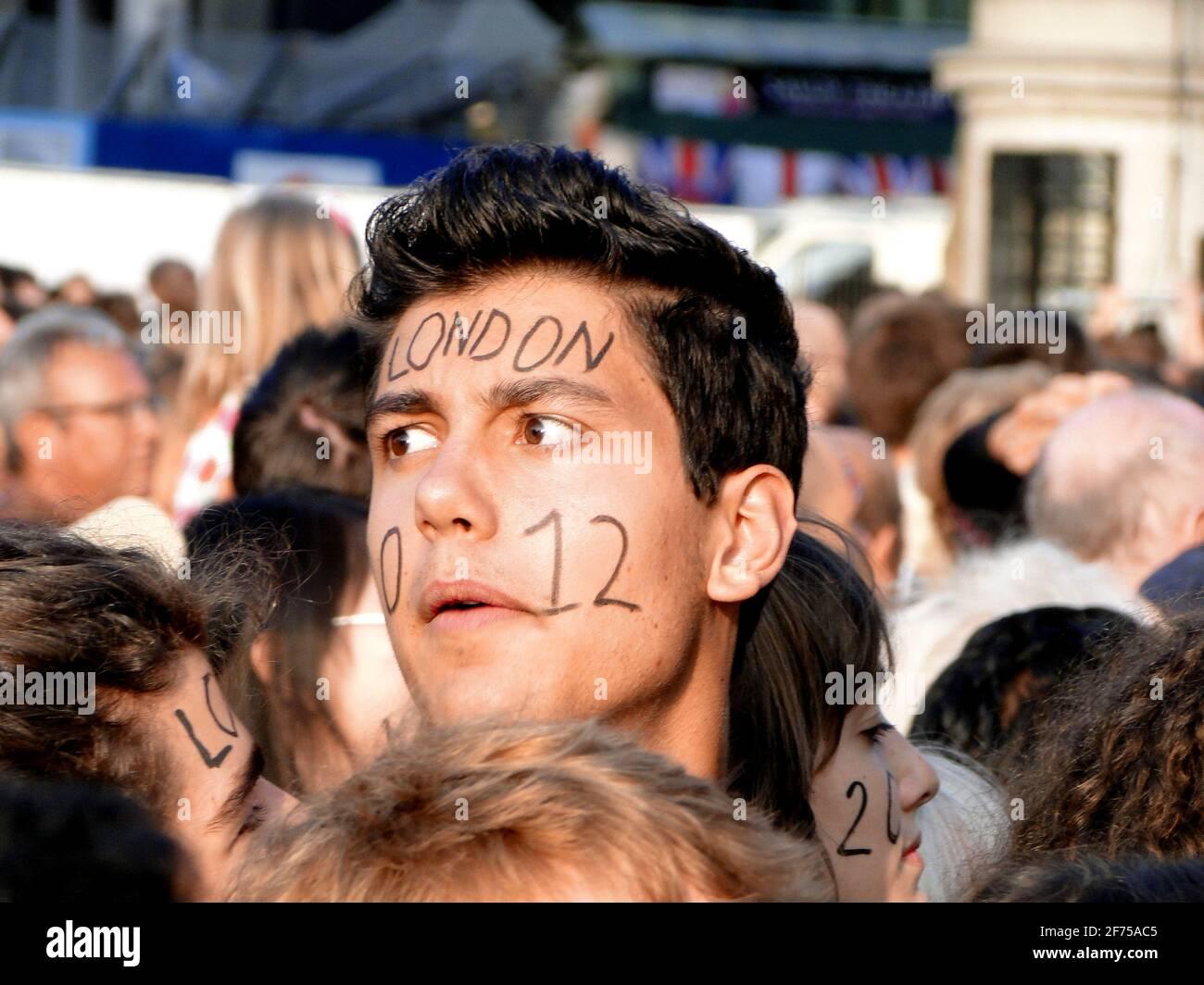 Noch eine Träne! - Konzert auf dem Trafalgar Square 1 Jahr vor den Olympischen Spielen 2012, London, Großbritannien Stockfoto