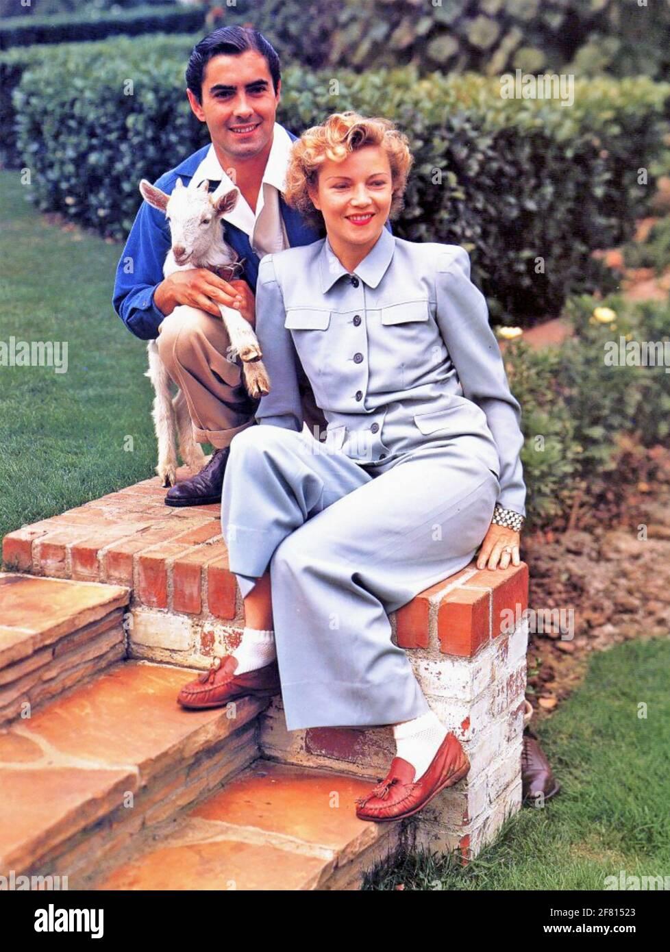 TYRONE POWER (1914-1958) amerikanischer Filmschauspieler mit seiner ersten Frau Annabella um 1945 Stockfoto