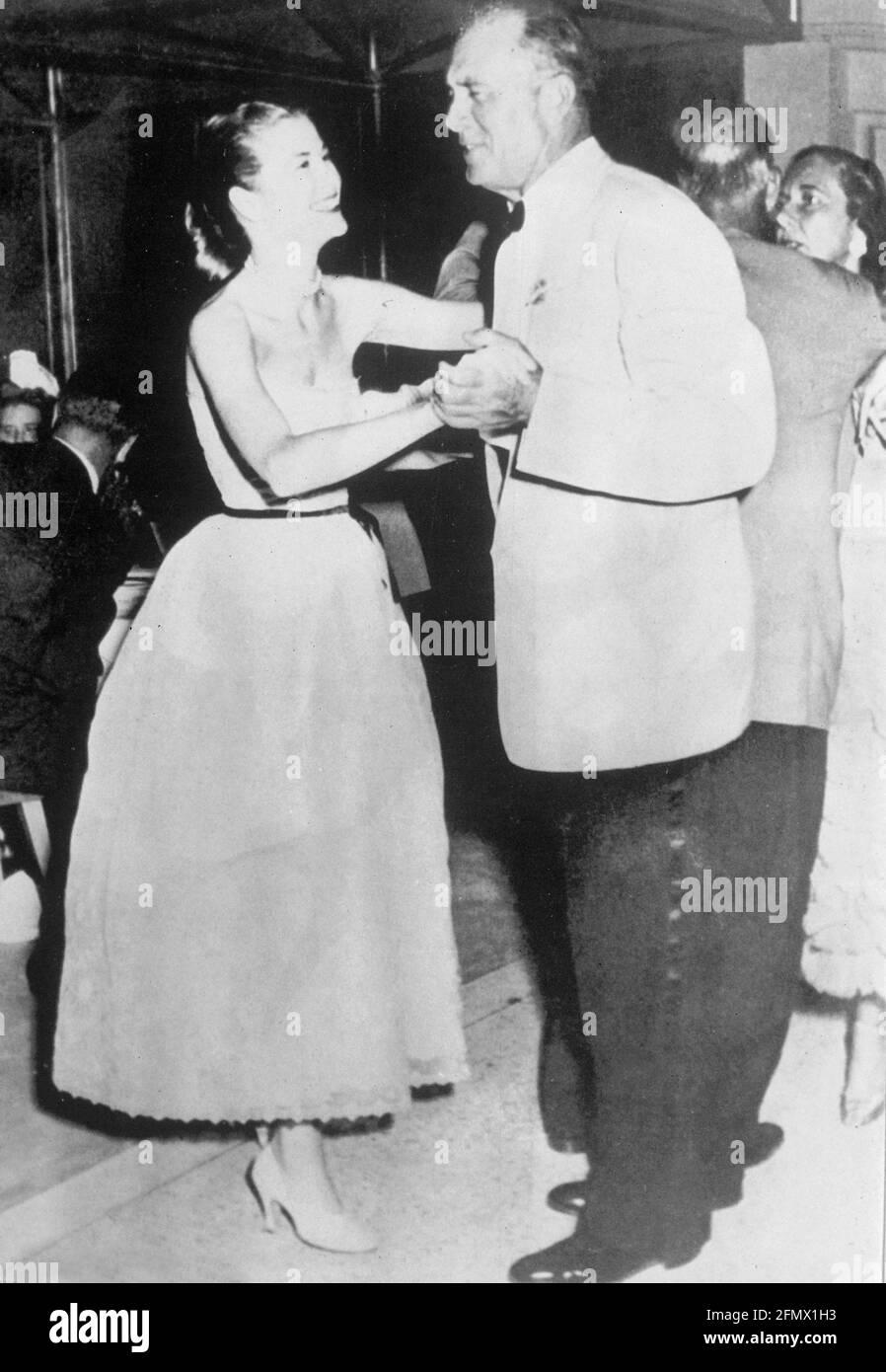 Kelly, Grace, 12.11.1929 -14.9.1982, amerikanische Schauspielerin, mit ihrem Vater John Brendan Kelly, ZUSÄTZLICHE-RIGHTS-CLEARANCE-INFO-NOT-AVAILABLE Stockfoto