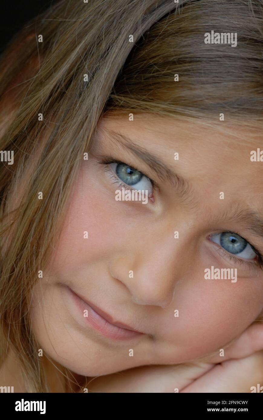 Augen blonde mädchen blaue braun haare blaue augen