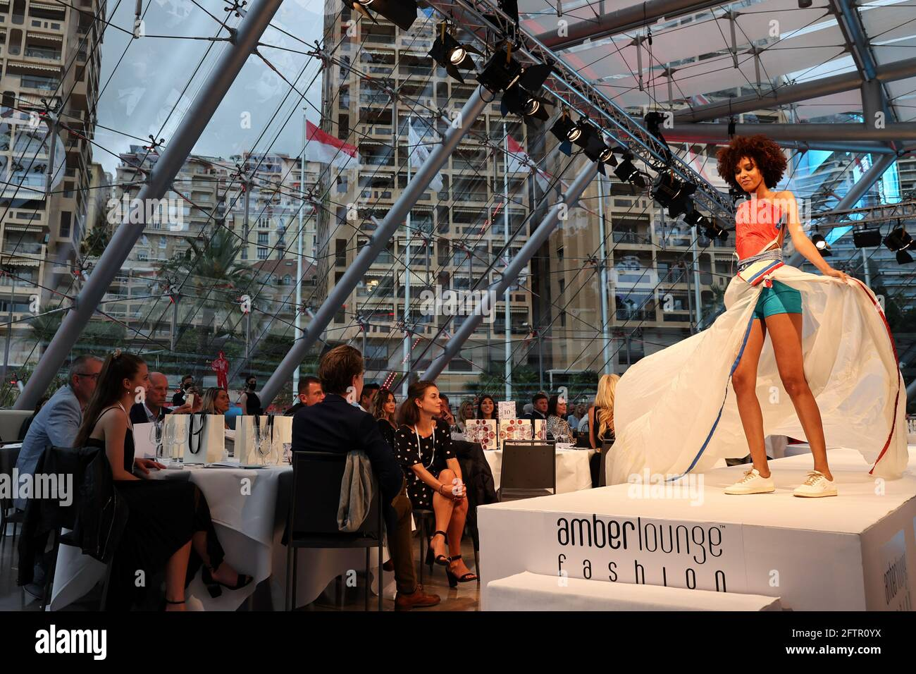 Monte Carlo, Monaco. Mai 2021. Die Amber Lounge Fashion Show. 21.05.2021. Formel-1-Weltmeisterschaft, Rd 5, Großer Preis Von Monaco, Monte Carlo, Monaco, Freitag. Quelle: XPB Images Ltd/Alamy Live News Stockfoto