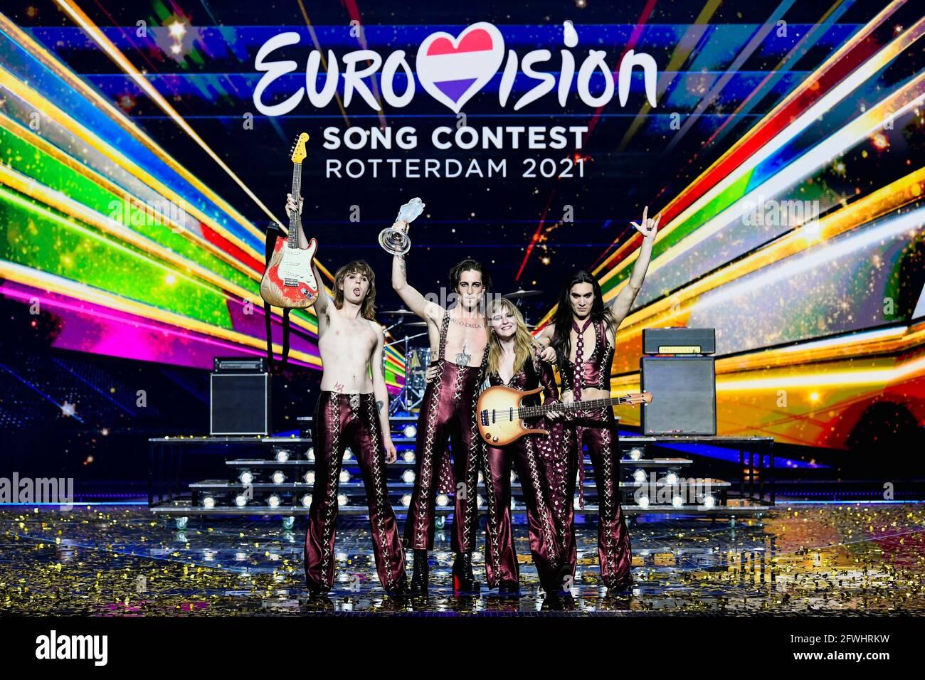 Maneskin aus Italien tritt nach dem Gewinn des Eurovision Song Contest 2021 in Rotterdam, Niederlande, am 23. Mai 2021 auf der Bühne auf. REUTERS/Piroschka van de Wouw Stockfoto