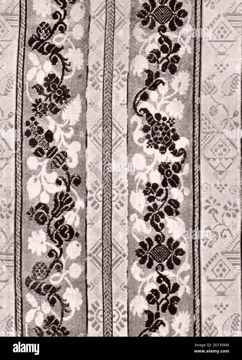 Fragment - Ende des 17. Jahrhunderts - Frankreich brokatierter Satindamast. 1675 - 1700. Stockfoto