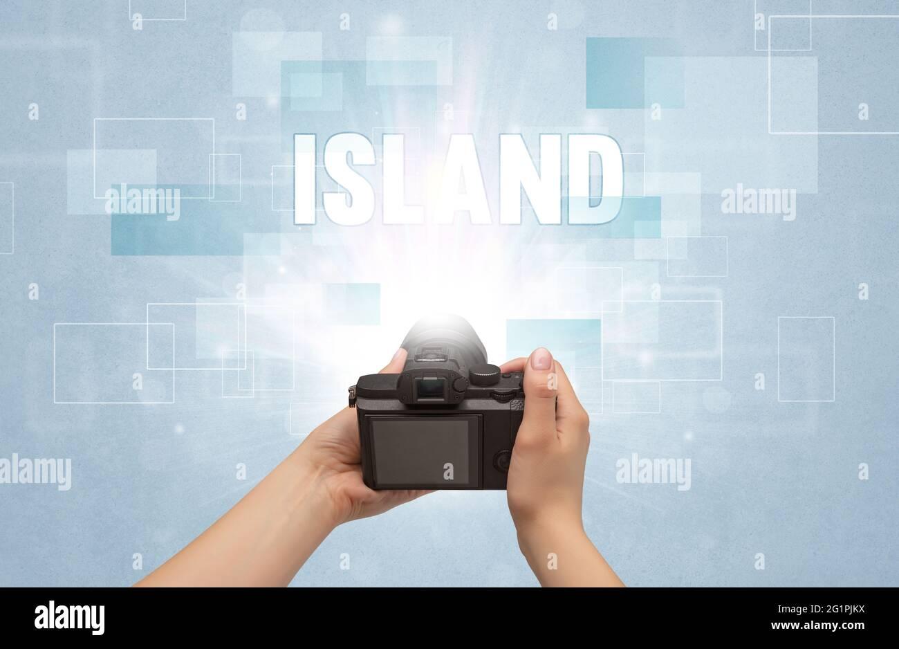 Digitalkamera mit Handgriff, Reisekonzept Stockfoto