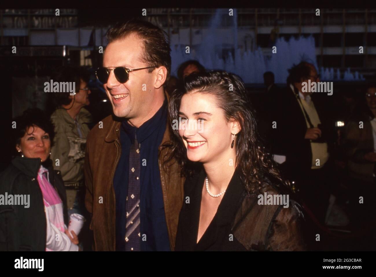 Bruce Willis und Demi Moore um die 1980er Jahre Credit: Ralph Dominguez/MediaPunch Stockfoto