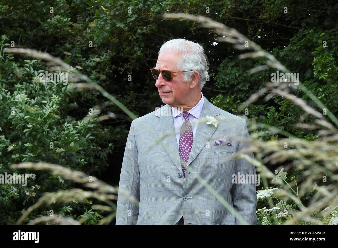 Der Prinz von Wales bei seinem Besuch in Farmed, einem neuen Zentrum für Farm- und Lebensmittelbildung auf der Honeydale Farm, Shipton-under-Wychwood, Oxfordshire. Bilddatum: Dienstag, 22. Juni 2021. Stockfoto