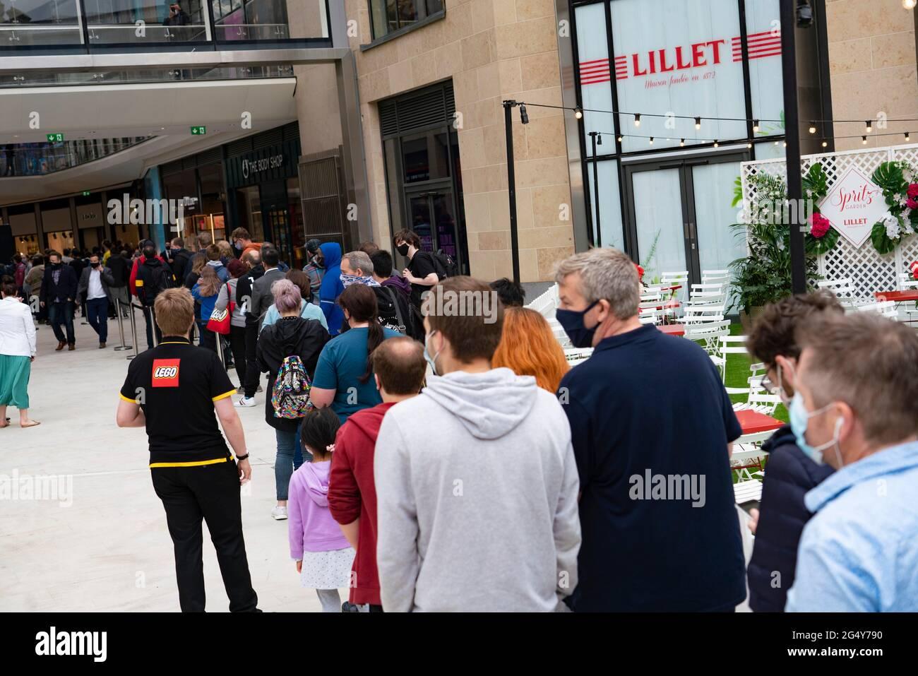 Edinburgh, Schottland, Großbritannien. 20. Juni 20. Erste Bilder ...