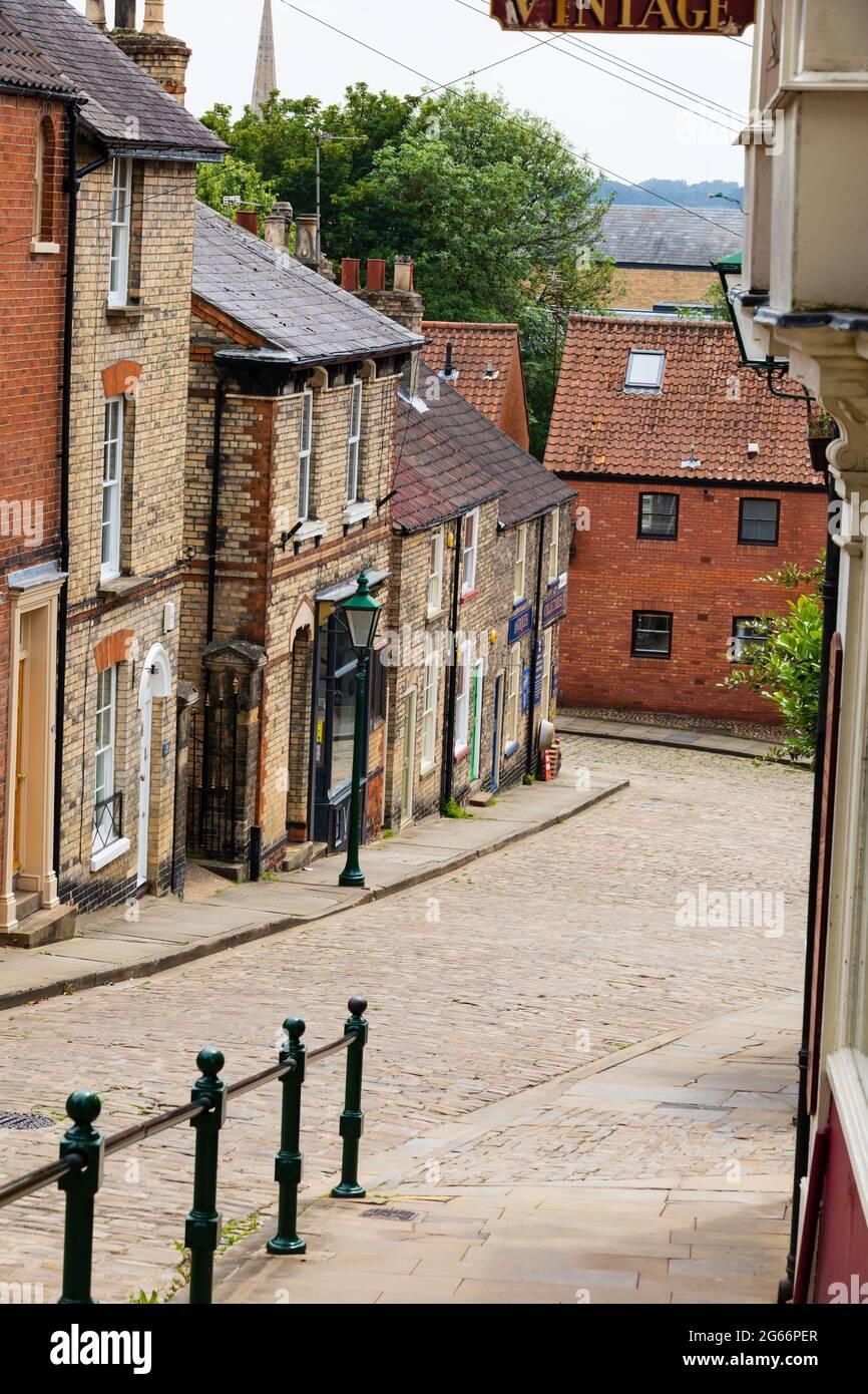 Blick auf einen leeren steilen Hügel, Lincoln, Lincolnshire, England Stockfoto