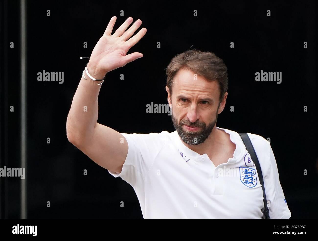 Der englische Manager Gareth Southgate verlässt das Grove Hotel in Hertfordshire. Bilddatum: Montag, 12. Juli 2021. Stockfoto