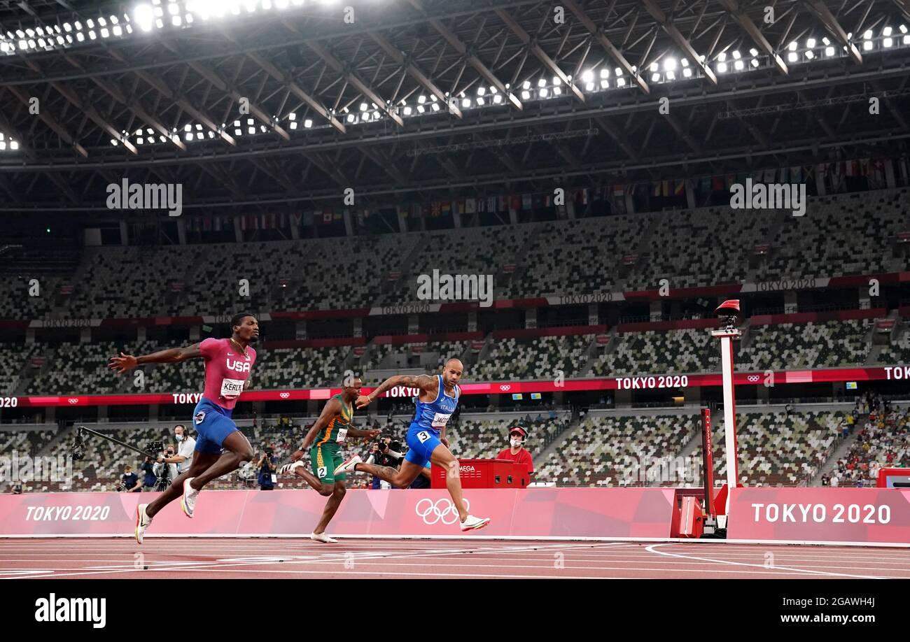 Der Italiener Lamont Jacobs (rechts) gewinnt am neunten Tag der Olympischen Spiele in Tokio 2020 in Japan die 100 Meter der Männer im Olympiastadion. Bilddatum: Sonntag, 1. August 2021. Stockfoto