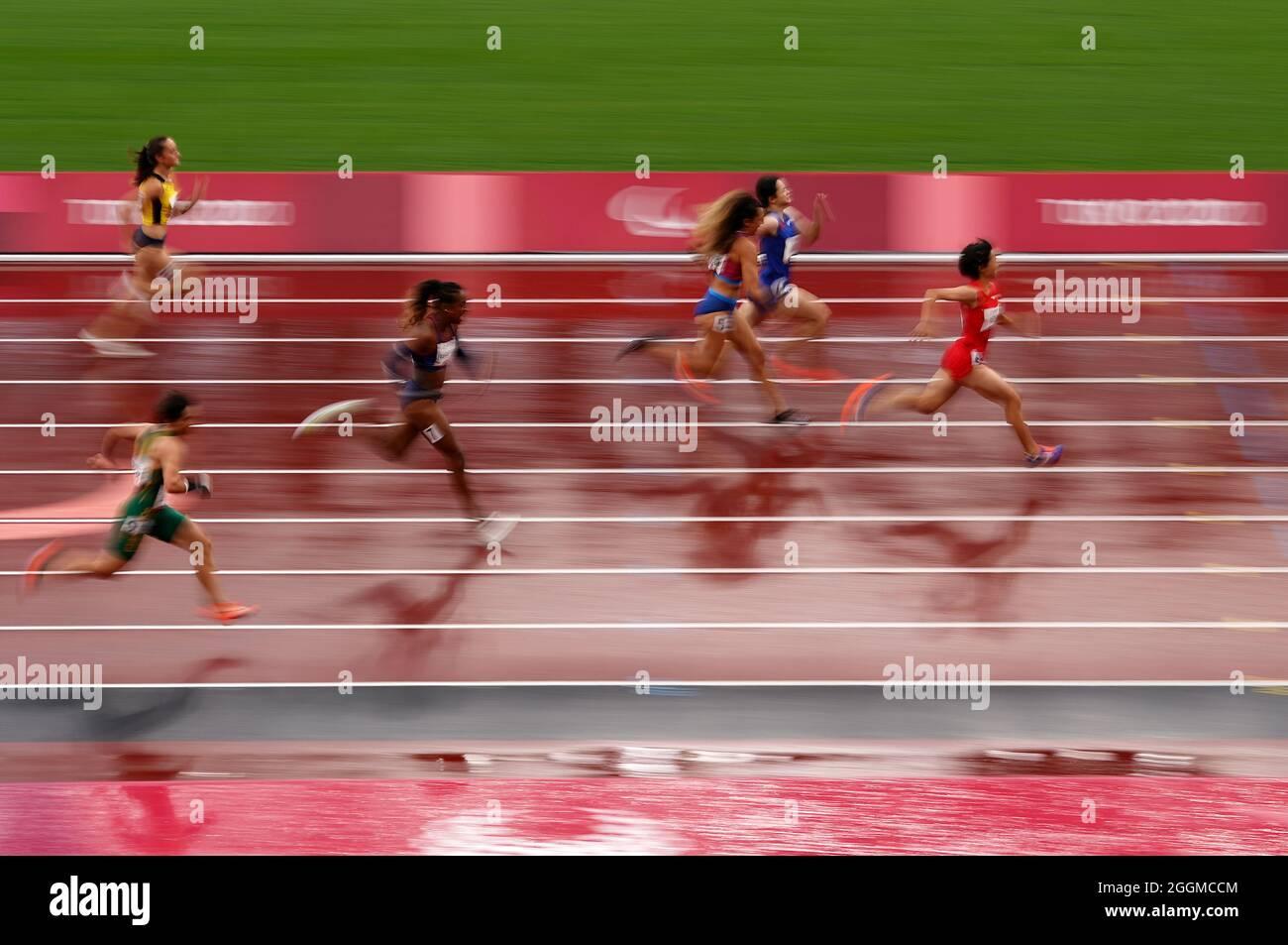 Die Chinesin Xiaoyan Wen auf dem Weg zum Sieg beim 100-m-T37-Finale der Frauen im Olympiastadion am 9. Tag der Paralympischen Spiele in Tokio 2020 in Japan. Bilddatum: Donnerstag, 2. September 2021. Stockfoto