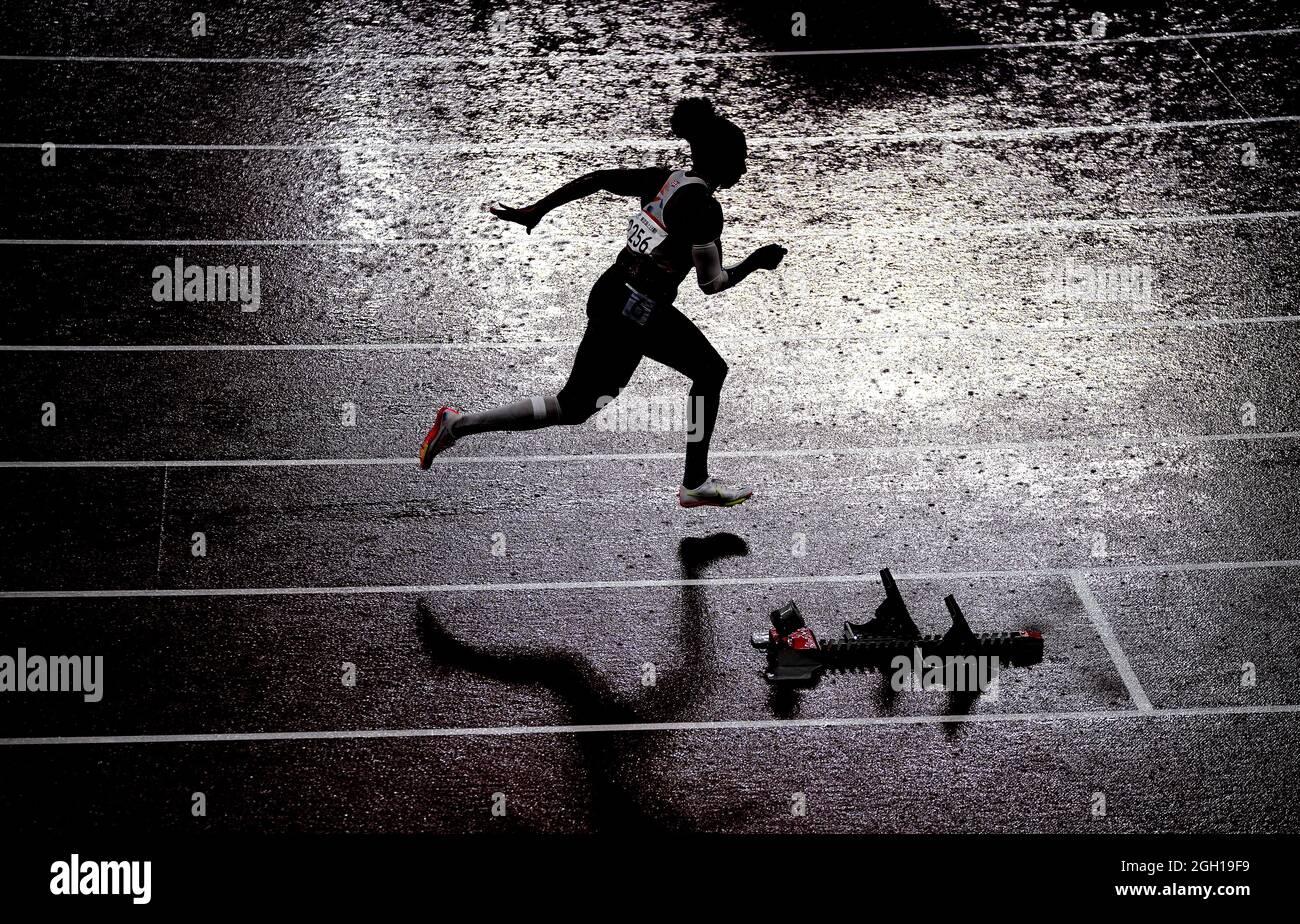Kadeena Cox aus Großbritannien beim 400-m-T38-Finale der Frauen im Olympiastadion am 11. Tag der Paralympischen Spiele in Tokio 2020 in Japan. Bilddatum: Samstag, 4. September 2021. Stockfoto