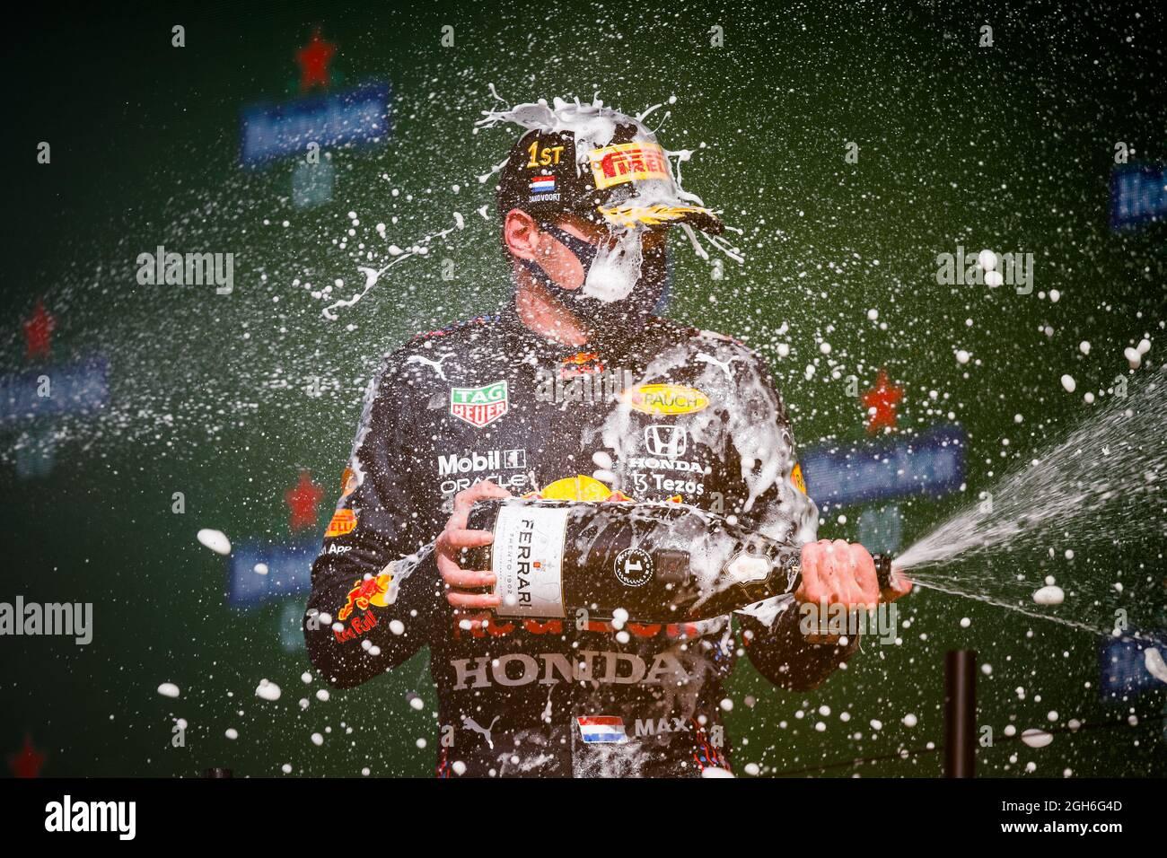 VERSTAPPEN Max (NED), Red Bull Racing Honda RB16B, Portrait Podium während der Formel 1 Heineken Dutch Grand Prix 2021, 13. Lauf der FIA Formel 1 Weltmeisterschaft 2021 vom 3. Bis 5. September 2021 auf dem Circuit Zandvoort, in Zandvoort, Niederlande - Foto Florent Gooden / DPPI Stockfoto