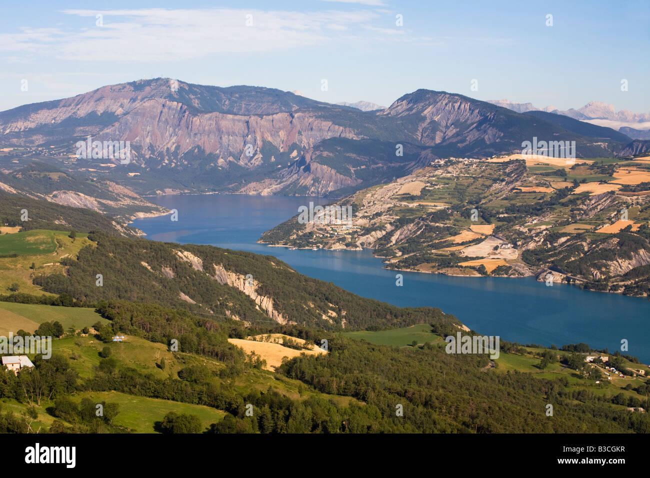 Lac Serre Poncon : Lac de serre poncon frankreich frankreich lac de serre poncon