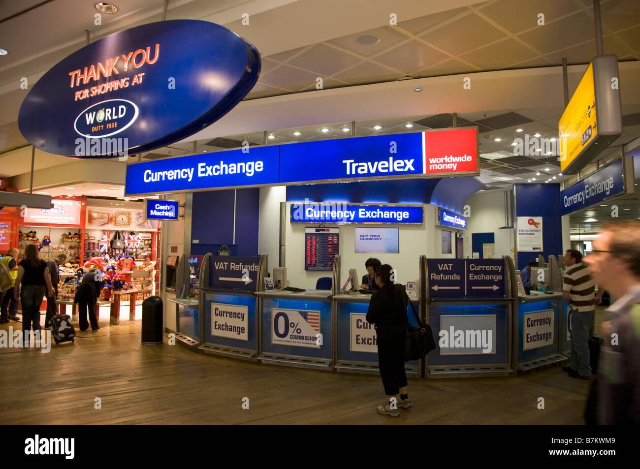 Bureau de change office von travelex am heathrow airport terminal